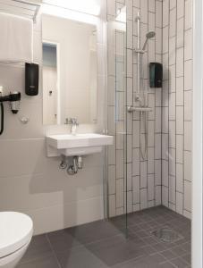 Un baño de Citybox Oslo
