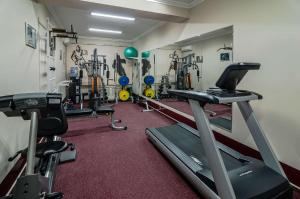 The fitness center and/or fitness facilities at Flowers Hotel