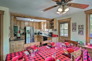 A kitchen or kitchenette at Cozy Home with Deck and Mountain Views, Walk to Casinos