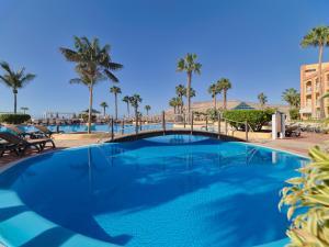 Basen w obiekcie H10 Playa Esmeralda - Adults Only lub w pobliżu