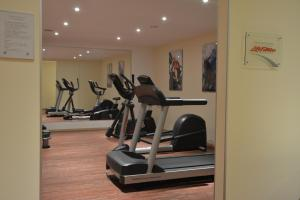 The fitness center and/or fitness facilities at Boutique Hotel Wolfsburg