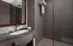 Ванная комната в Ренессанс Санкт-Петербург Балтик