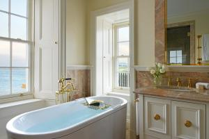 A bathroom at Trump Turnberry, A Luxury Collection Resort, Scotland