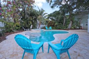 The swimming pool at or close to 3 Bedroom, Pool, Spa, Renovated Beach House