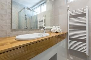 A bathroom at Apartments Zagreb Point - Centar