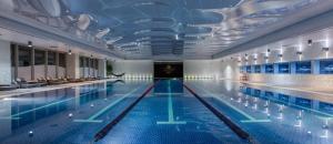 A piscina localizada em Port Baku Residance Room 215 ou nos arredores