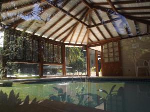 The swimming pool at or close to Hotel Vivenda Penedo