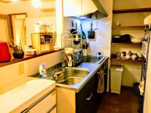 Guesthouse LuLuLu 無料朝食 全室個室にあるキッチンまたは簡易キッチン