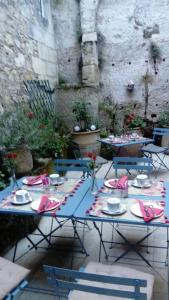 A restaurant or other place to eat at La Maison Colline