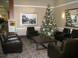 The lobby or reception area at Baymont by Wyndham Red Deer