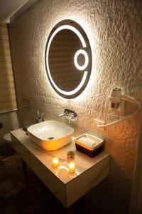 Um banheiro em Parkway Inn Hotel & Spa