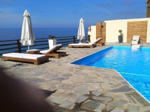 Πισίνα στο ή κοντά στο Βίλα Χρύσα