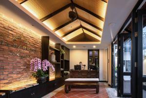 The lobby or reception area at El Barrio Lanna