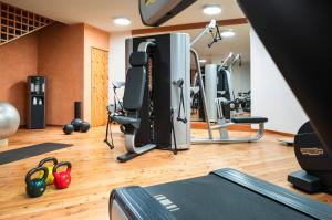 The fitness centre and/or fitness facilities at Grand Hotel Zermatterhof