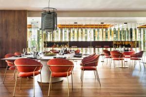 En restaurang eller annat matställe på Hotel Don Pepe Gran Meliá