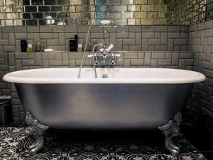 A bathroom at Hardwick Hall Hotel
