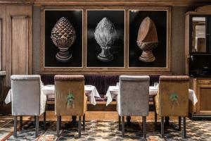 A restaurant or other place to eat at Hotel Wersal