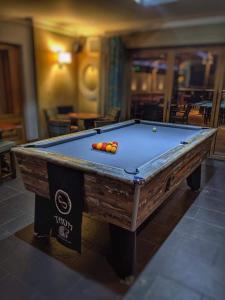 A pool table at St Tudwals Inn