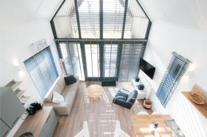 A seating area at Waterrijk Oesterdam villas