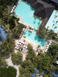 Vue sur la piscine de l'établissement The Ravenala Attitude ou sur une piscine à proximité