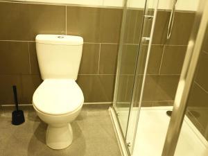 A bathroom at City Centre Apartment 361a