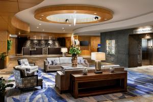 The lobby or reception area at Fairmont Vancouver Airport In-Terminal Hotel