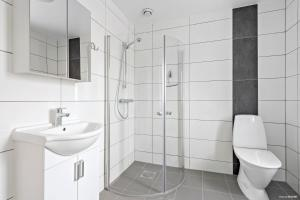 Ett badrum på First Camp Sibbarp-Malmö