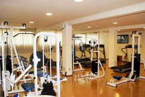 The fitness center and/or fitness facilities at Bella Italia Hotel & Eventos