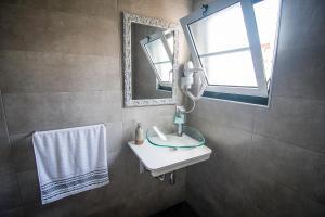 A bathroom at Casa de Hospedes Isaias