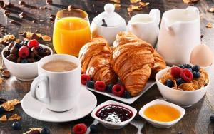 Breakfast options available to guests at XX Miglia