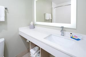A bathroom at Holiday Inn Express Hotel & Suites Watsonville, an IHG Hotel