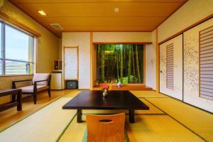 A seating area at Tenku Yubo Seikaiso