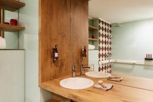 A bathroom at Hotel Indigo Antwerp City Centre, an IHG Hotel