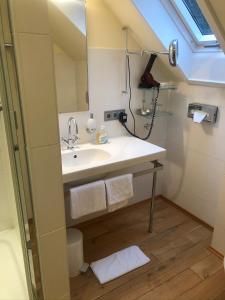 Ein Badezimmer in der Unterkunft Villa Waldesruh