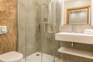A bathroom at Royal Hill Residence