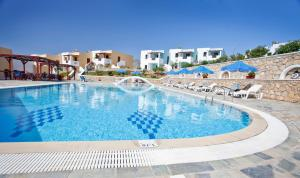 The swimming pool at or near Golden Sun Apartments