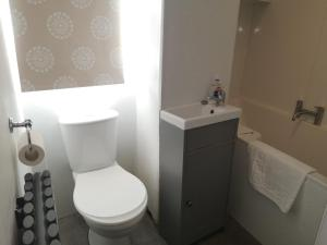 A bathroom at Hampden Glasgow Tenement Flat