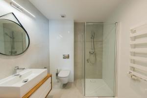 A bathroom at Apartamenty Kuźnice 13