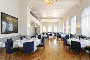 A restaurant or other place to eat at Sorell Hotel Merian