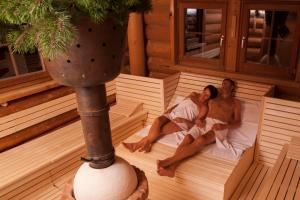 Guests staying at Das Ronacher Therme & Spa Resort