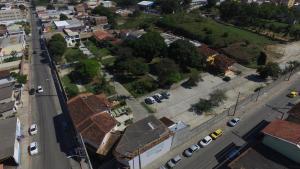 Uma vista aérea de Guarapousada