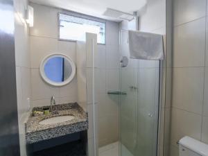 A bathroom at Apa Pau Brasil