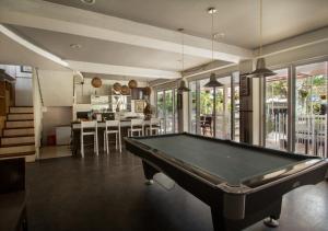 A billiards table at Kuta Ardenia Residence