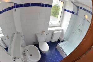 A bathroom at Villa Sulejówek