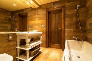 Koupelna v ubytování Park Hotel Popovicky