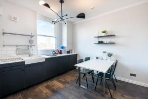 A kitchen or kitchenette at HSA - 129 Shoreditch