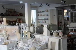 Ресторан / где поесть в Bed and Breakfast Gantrisch Cottage Ferienzimmer
