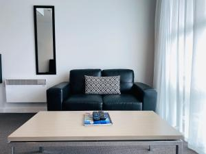 A seating area at 315 Euro Motel and Serviced Apartments