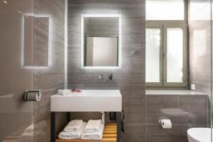A bathroom at Epavli Boutique Hotel