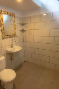 Kamar mandi di Rumah Semanggi